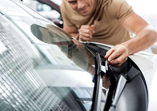 ผลการค้นหารูปภาพสำหรับ Check the windshield wipers
